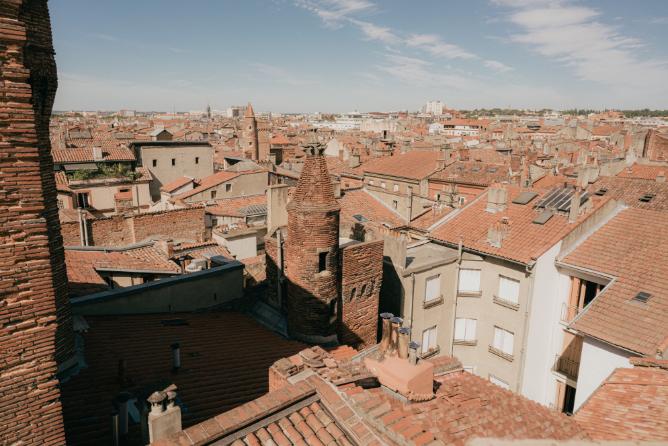 ostal-occitania-batisse-terrasse
